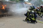 Foto att släcka en brand