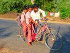 Foto barn på cykel