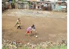 Foto fotboll i slummen, Jakarta