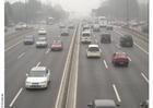 Foto motorväg med smog, Peking