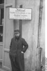 Foto Polen - Radoms ghetto - jude vid förbudsskylt